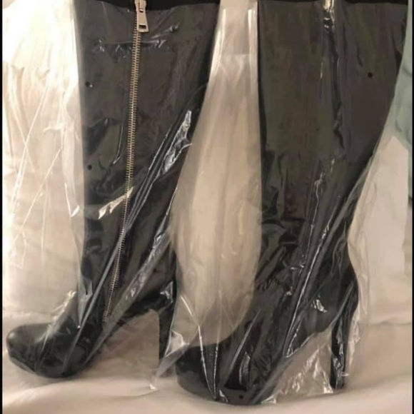 fd4a7874043 Gucci Leather boots. NWT